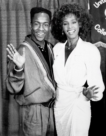 1329153620_whitney-houston-bobby-brown-1990-lg